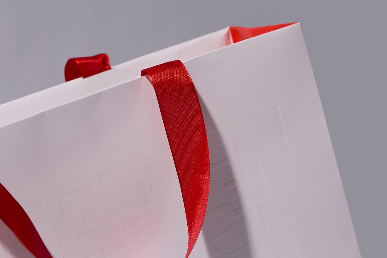bag paper-techcom bank-bratus