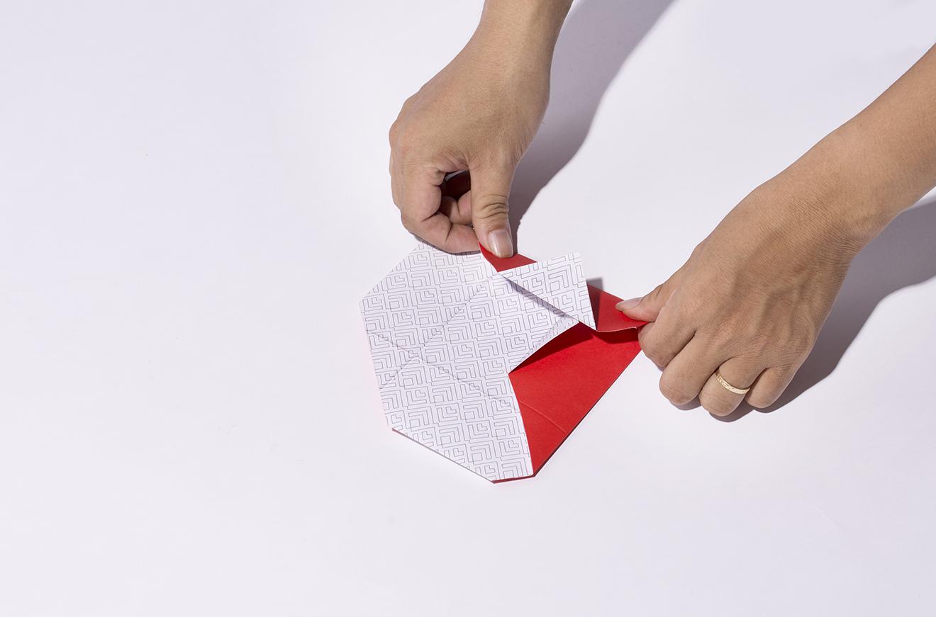 origami card-techcombank-bratus