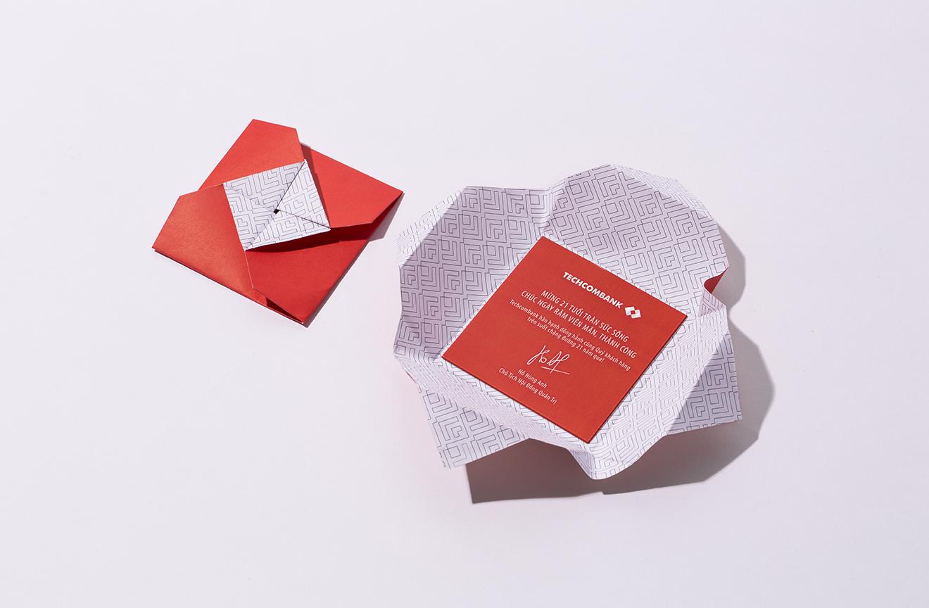post card-origami-bratus-techcombank