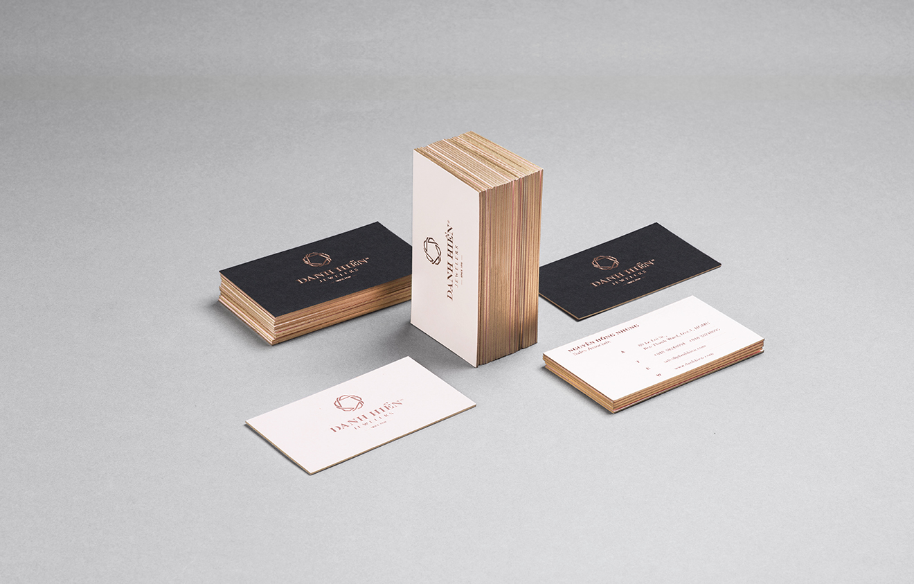 corporation identity- bratus-branding agency vietnam-luxury busines card-foil